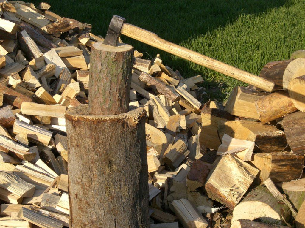 Krbovú vložku, kachle nie je možné dostatočne rýchlo rozkúriť - drevo
